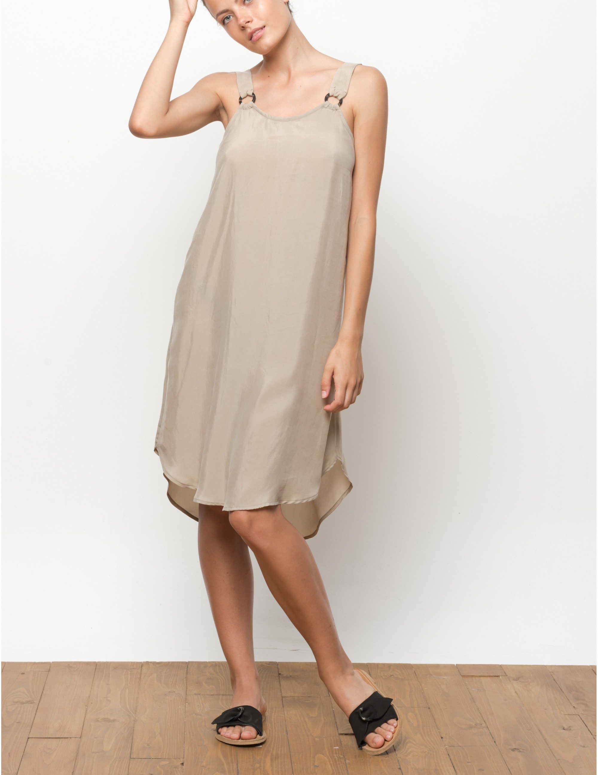 VUMA vestido - TANNED
