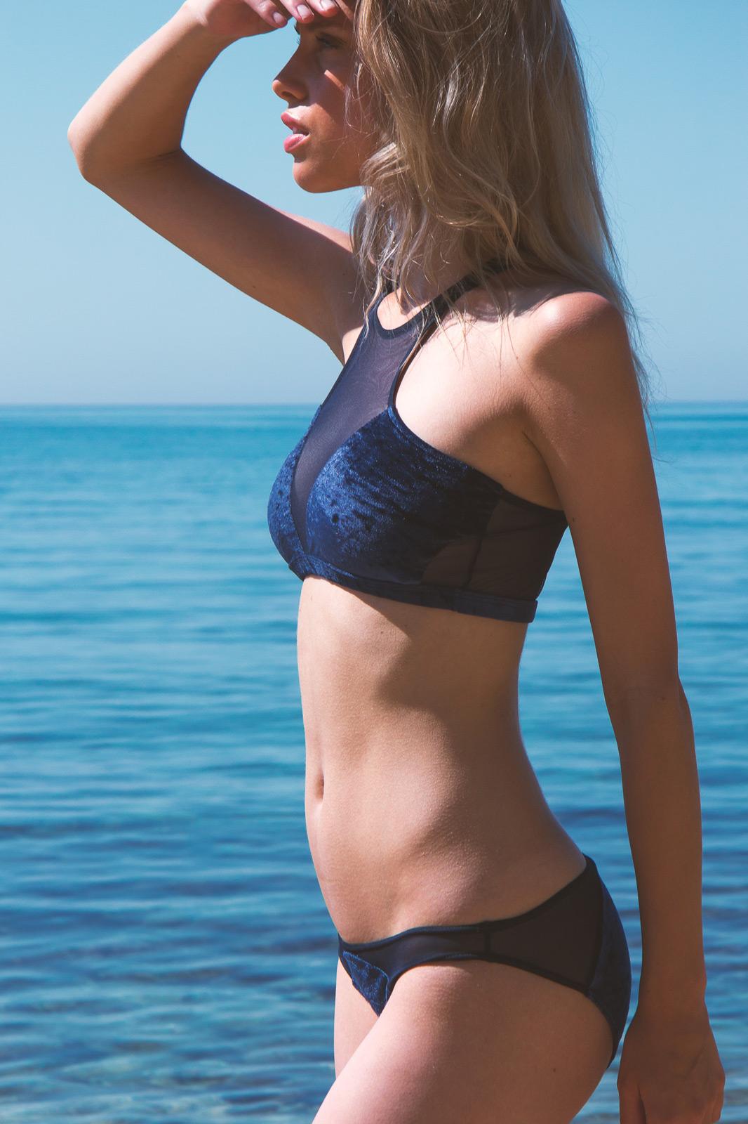 Nuku Bikini Top Profondo Blue Reset Priority