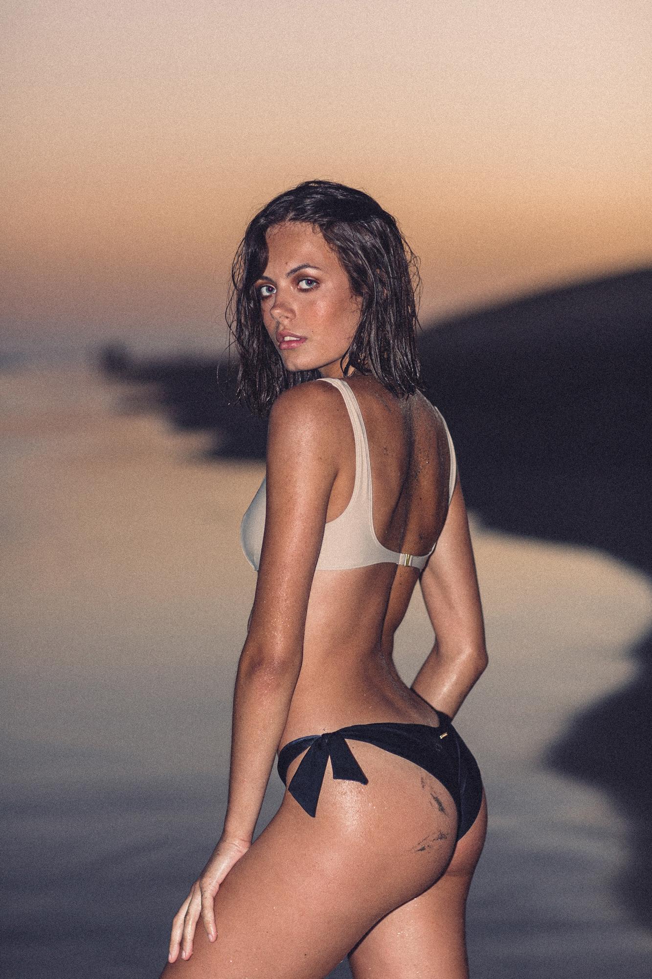 Vik Bikini Top Tanned Reset Priority